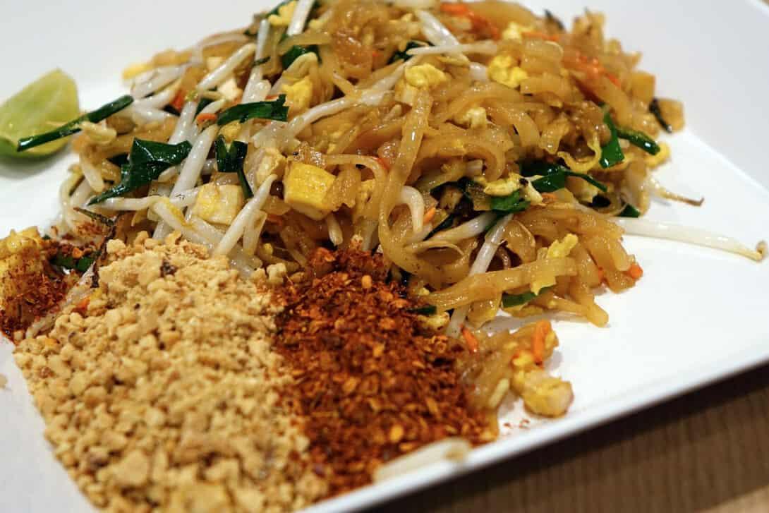 Pad Thai with peanuts